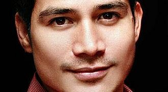 Piolo Pascual finally admits relationship with KC Concepcion