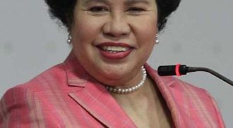 Celebrities pay tribute to Miriam Santiago