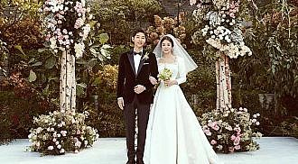 Korean TV stars Song Hye-Kyo, Song Joong-Ki got married