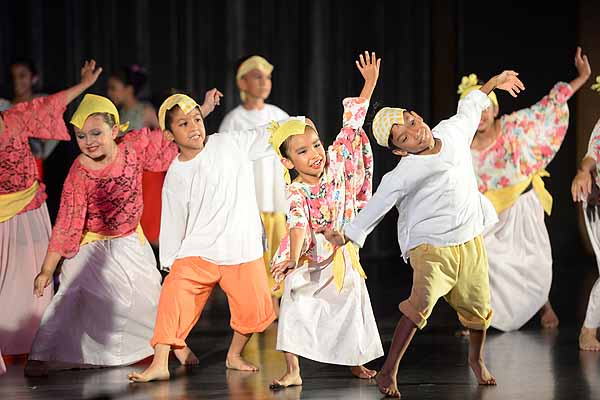 Folklorama: Magdaragat Pearl of the Orient