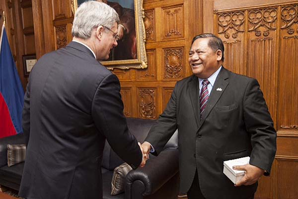 Philippine Ambassador calls on Prime Minister Harper ahead of Manila visit