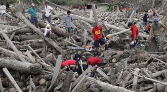 NCR students join relief efforts for Pablo's victims