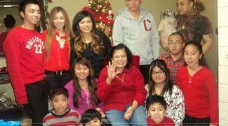 Three families hold Christmas reunion
