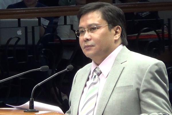 Sen. Jinggoy Estrada surrenders, insist he's innocent