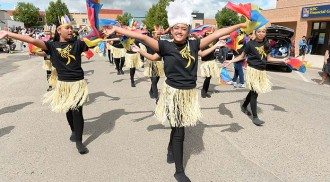 Neepawa Lily Festival: days of lily blossoms and a slice of Philippine pride