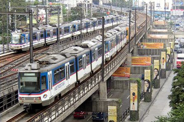 LRT and MRT offer free rides to government workers on Sept. 19