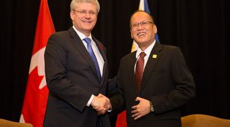 Prime Minister Stephen Harper meets with President Benigno Aquino III of the Philippines