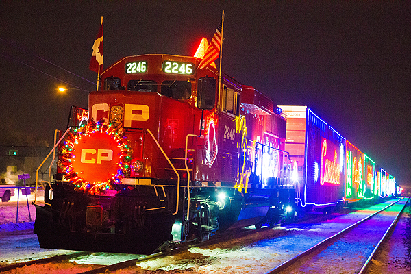 CP Holiday Train makes annual stop in Winnipeg