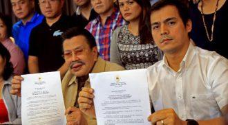 Erap plans to retire in 2016, turning Manila's rein over to Vice Mayor Isko