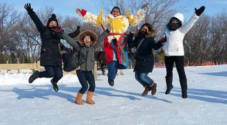 Embracing winter at Festival du Voyageur
