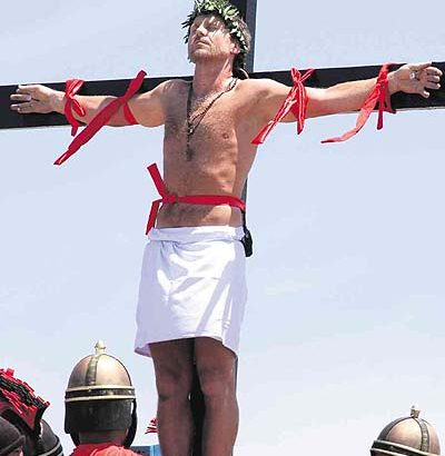 Foreigners banned from Good Friday crucifixions