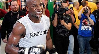 Mayweather looks forward to Pacquiao as his May 5 opponent
