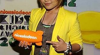 Charice wins Kids' Choice Award 2012
