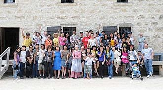 New immigrants relive the past at Lower Fort Garry