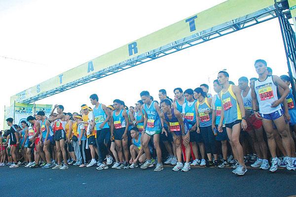 Global Pinoys adopt runners to help restore Pasig River