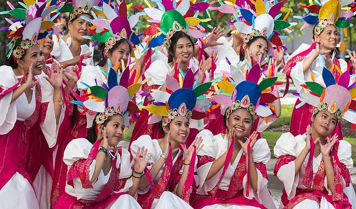 Big crowds for downtown Filipino Street Festival