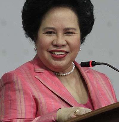 Celebrities pay tribute to Miriam Santiago
