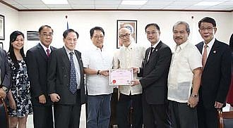 DOLE Secretary Welcomes HK UNION of Employment Agencies