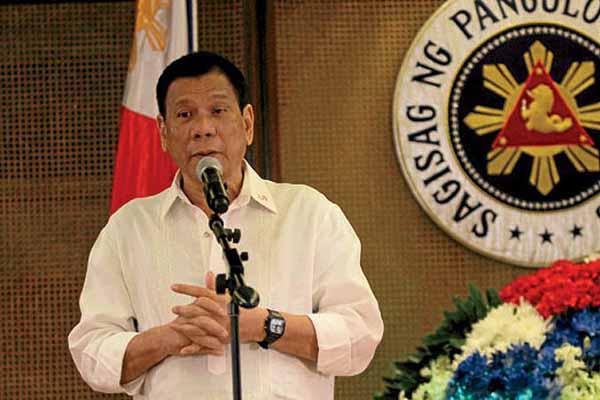 UP honorary doctorate degree to Duterte draws flak