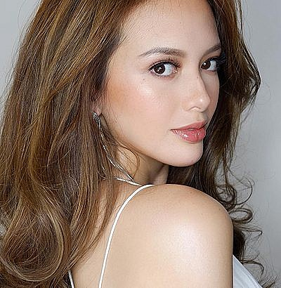 Teen's parents charged Ellen Adarna with child bullying