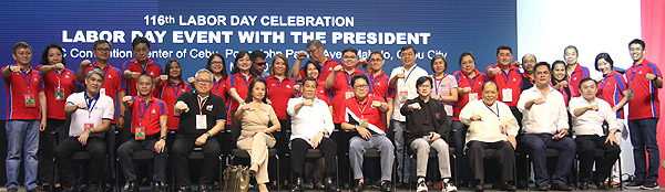 President Duterte with Dole Officials