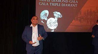 Jeth Reyes of Waverley Mitsubishi receives Triple Diamond Award: