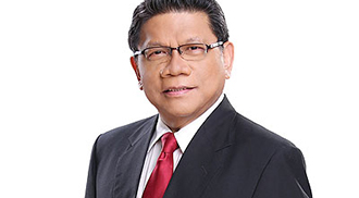 Mike Enriquez gets 'Media Icon' award