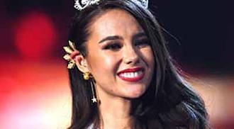 Zozibini Tunzi and Gazini in Miss Universe crown