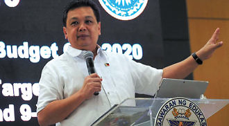 DepEd officials may suspend classes due to COVID-19