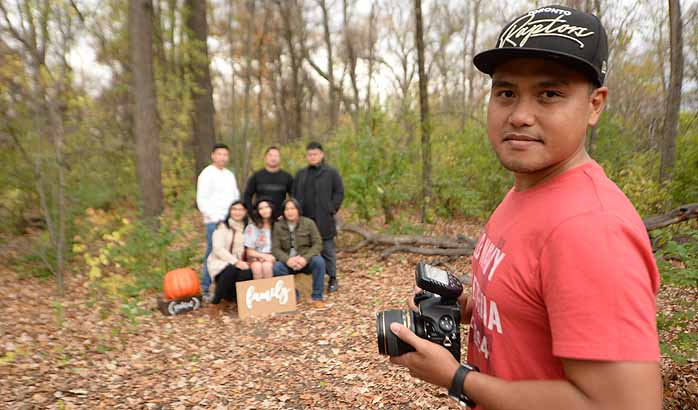 Fall photo sessions go on amid pandemic